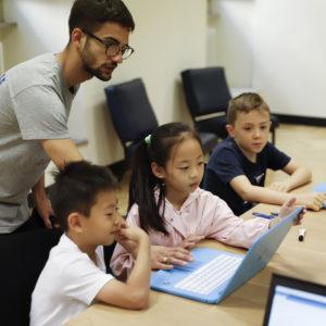 Bambini e coach a Futurmakers - corsi di tecnologia per bambini e ragazzi - Torino by Syhesthesia